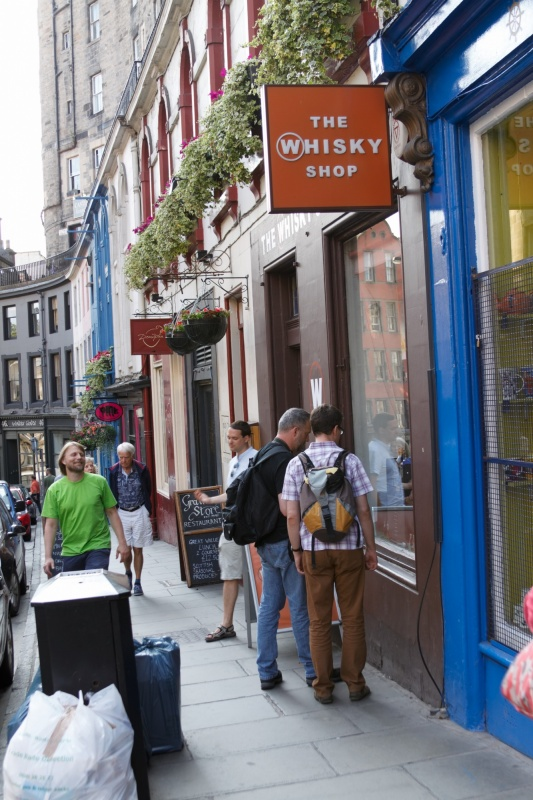 Whiskey stores on Victoria Street